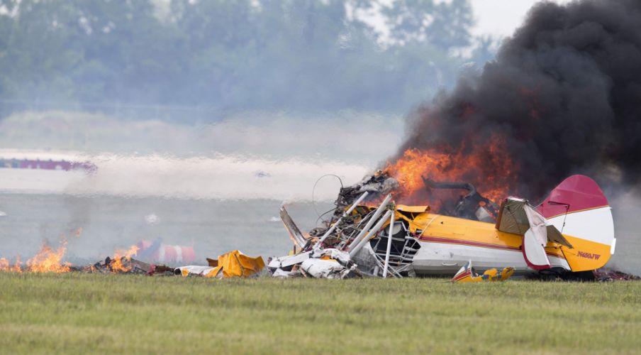 biplane airplane plane aircraft crash fire explosion wallpaper
