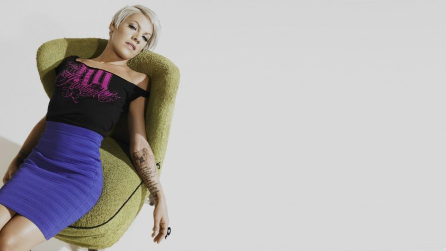 blondes tattoos celebrity singers Alecia Beth Moore wallpaper