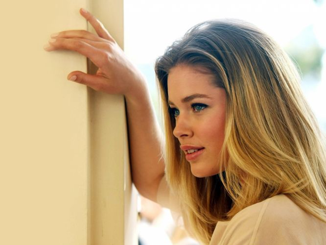 blondes women models Doutzen Kroes wallpaper