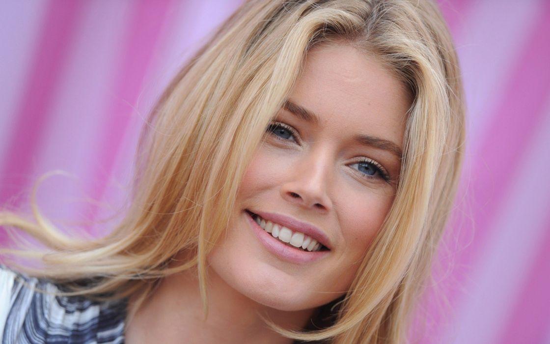 blondes women models Doutzen Kroes Victorias Secret faces wallpaper