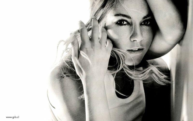 women Sienna Miller monochrome wallpaper