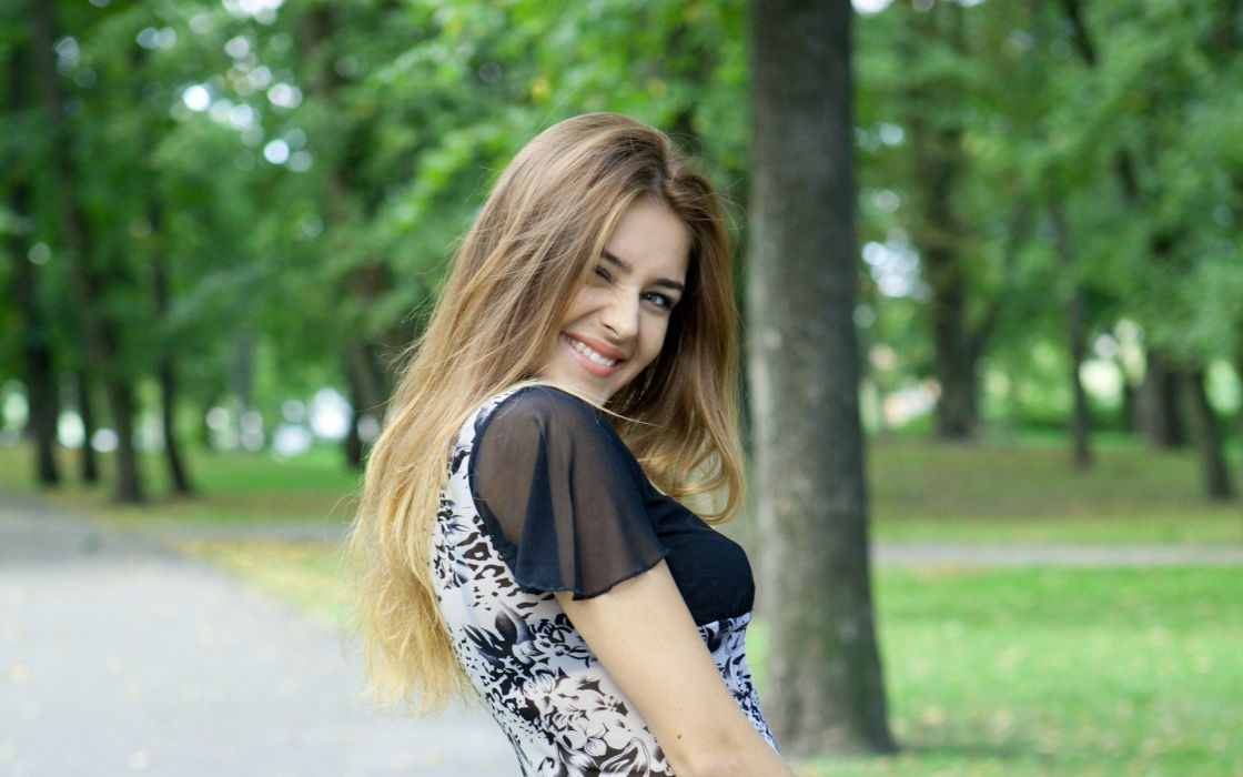 Blondes Women Models Met-Art Magazine Smiling Faces Girls In Nature Adriana F Natural -4726
