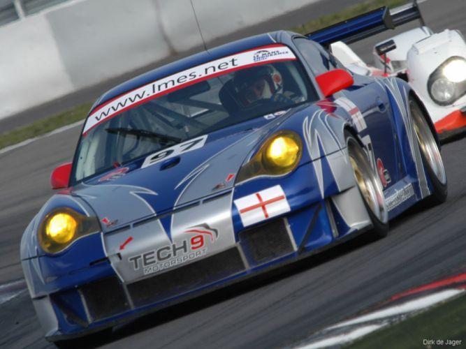 2004 Porsche 911GT3RSR1 2667x2000 wallpaper