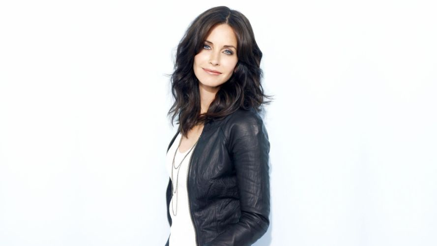 women celebrity Courteney Cox TagNotAllowedTooSubjective white background wallpaper