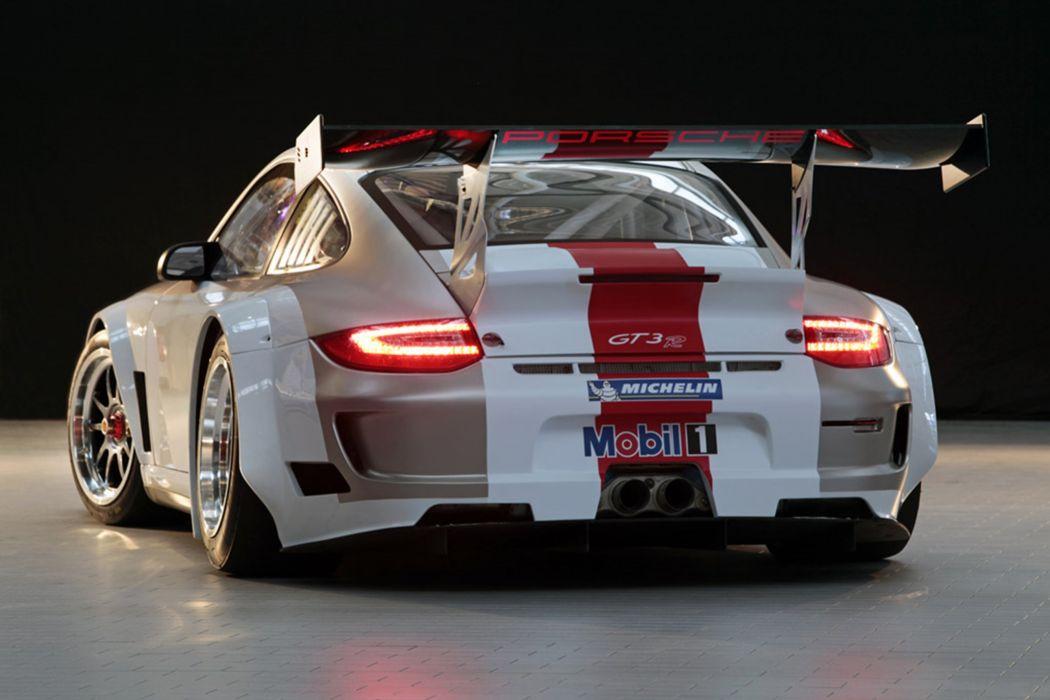 2010 Porsche 911GT3R7 2667x1779 wallpaper