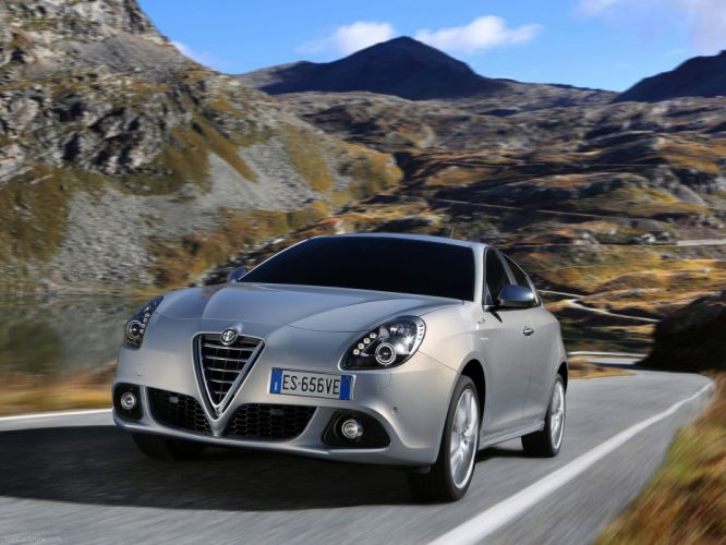 Alfa Romeo-Giulietta 2014 1600x1200 wallpaper 10 wallpaper