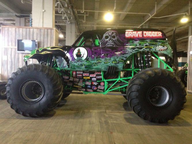 MONSTER-TRUCK race racing offroad 4x4 hot rod rods monster trucks truck (46) wallpaper