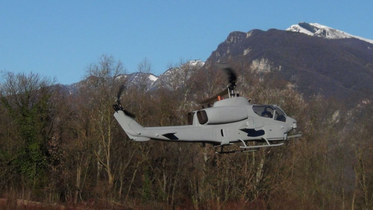 AH-1W SUPER COBRA attack helicopter military weapon aircraft (30) wallpaper