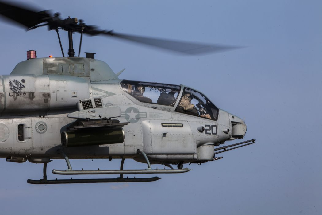 AH-1W SUPER COBRA attack helicopter military weapon aircraft (77)_JPG wallpaper