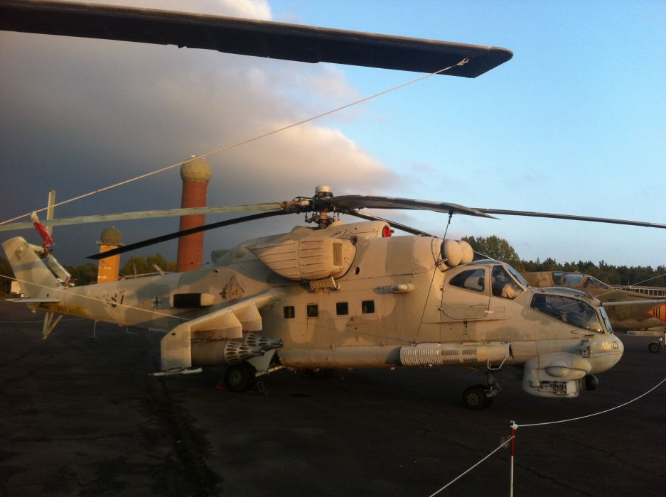 Mi-24 HIND GUNSHIP russian russia military weapon helicopter aircraft (32)_JPG wallpaper