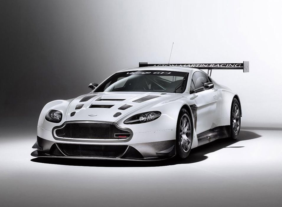 2012 AstonMartin V12VantageGT31 2667x1956 wallpaper