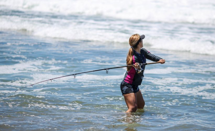 FISHING fish sport fishes sexy babe ocean sea wallpaper