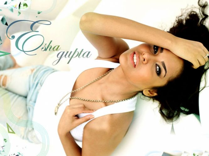 ESHA GUPTA indian actress bollywood model babe et wallpaper