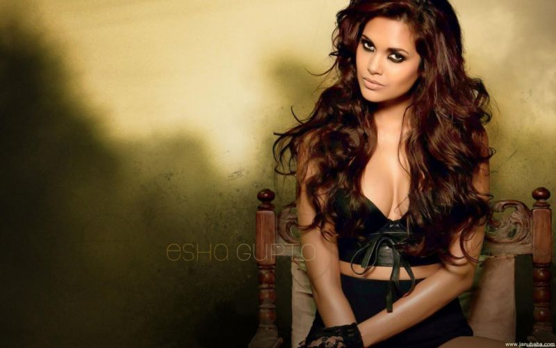ESHA GUPTA indian actress bollywood model babe ro wallpaper