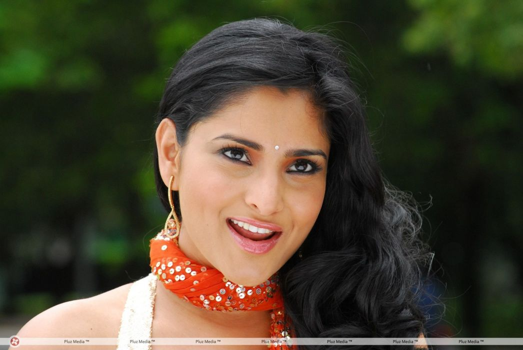 DIVYA SPANDANA ramya indian actress babe (5) wallpaper