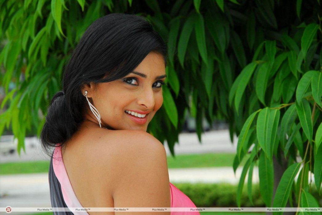 DIVYA SPANDANA ramya indian actress babe (3) wallpaper