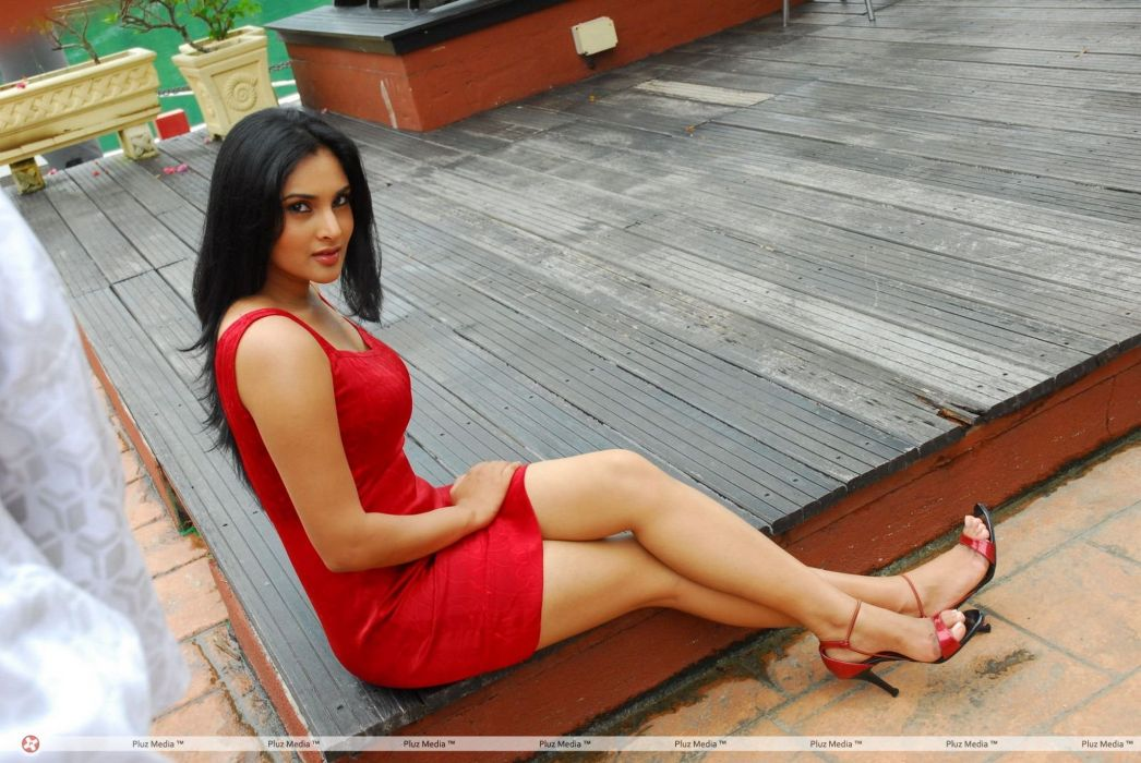 DIVYA SPANDANA ramya indian actress babe (9) wallpaper