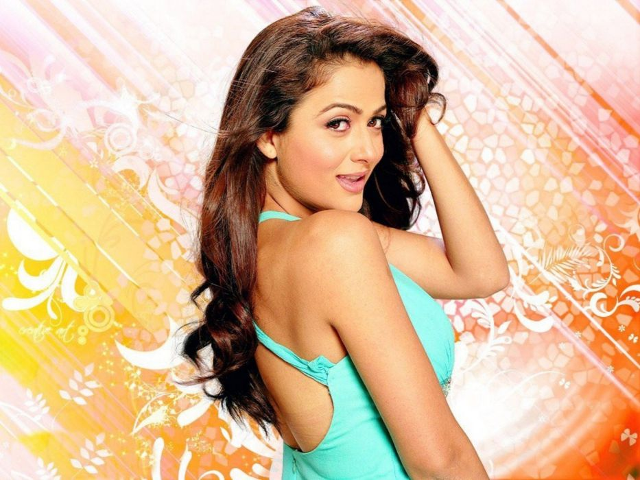 AMRITA ARORA indian actress babe (12) wallpaper