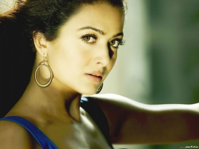 AMRITA ARORA indian actress babe (6) wallpaper