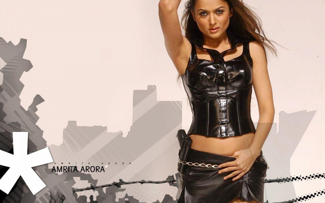 AMRITA ARORA indian actress babe (8) wallpaper