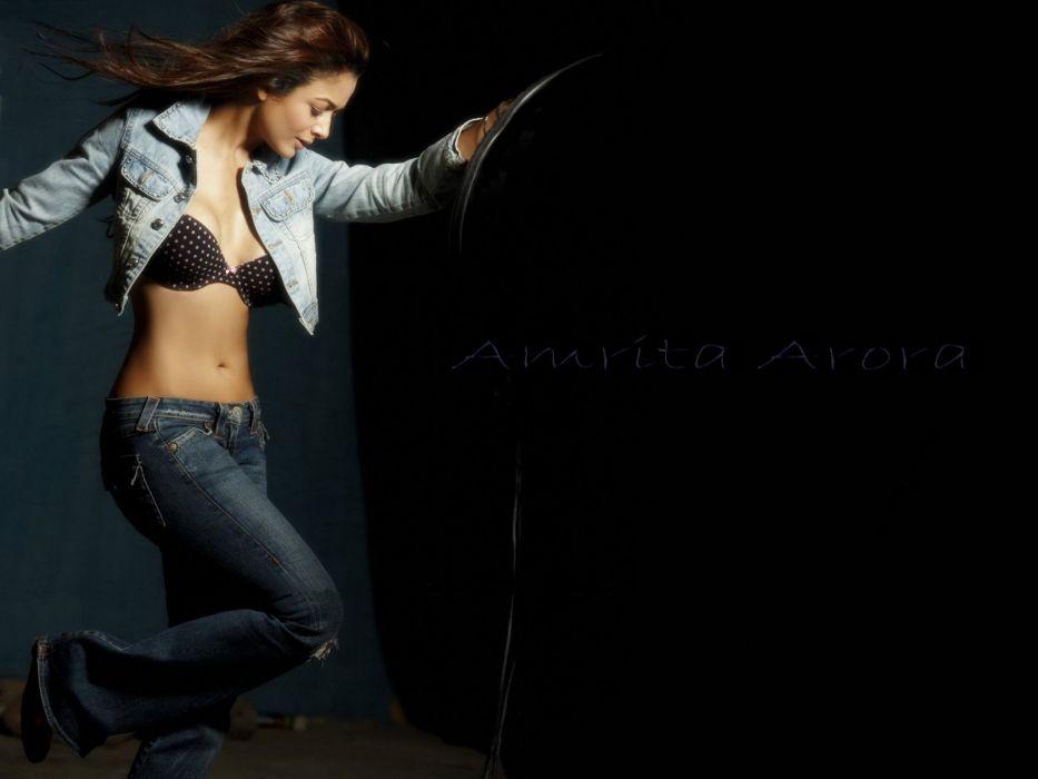 AMRITA ARORA indian actress babe (31) wallpaper