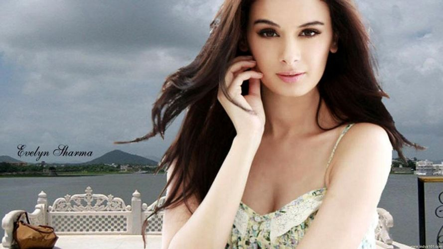 EVELYN SHARMA german indian actress model babe (2) wallpaper