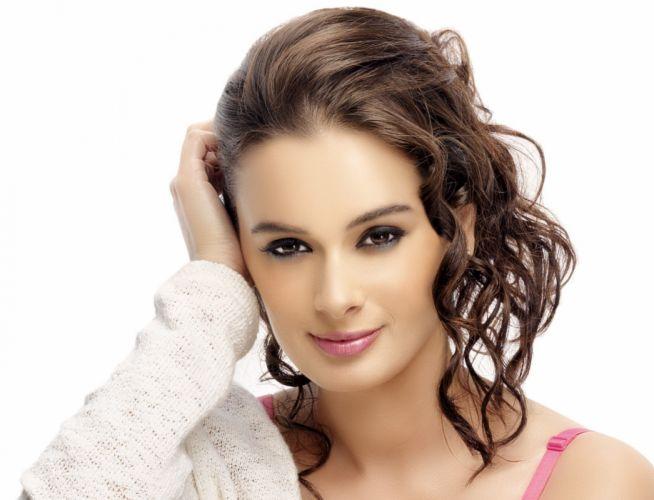 EVELYN SHARMA german indian actress model babe (59) wallpaper
