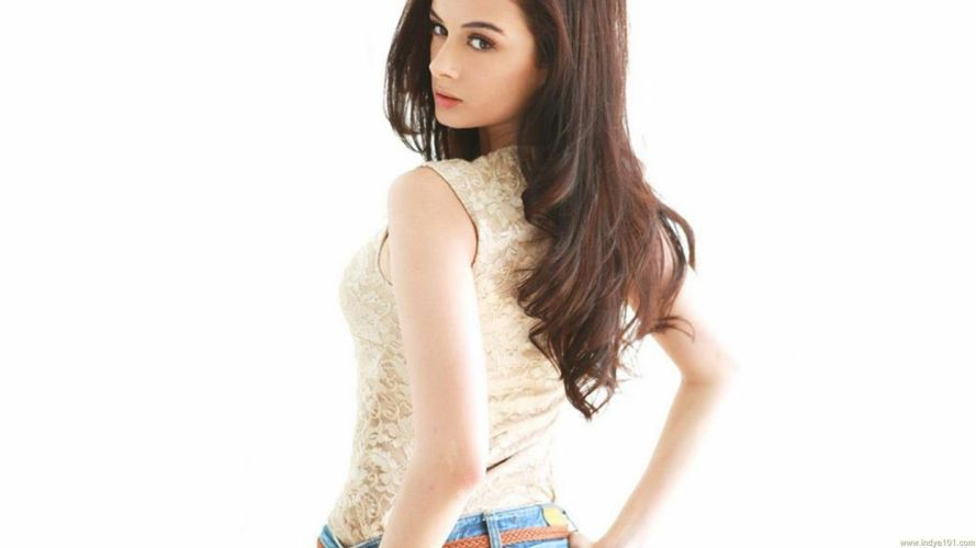 EVELYN SHARMA german indian actress model babe (84) wallpaper