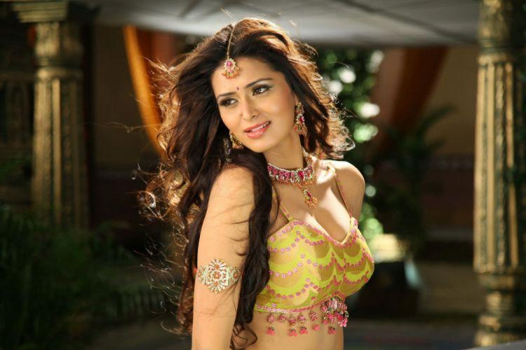 MEENAKSHI DIXIT indian actress babe model (9)_JPG wallpaper