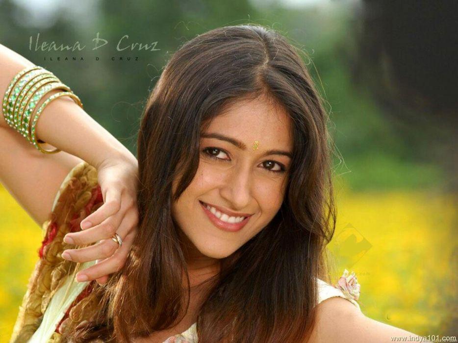 ILEANA DCRUZ indian actress model babe (11) wallpaper
