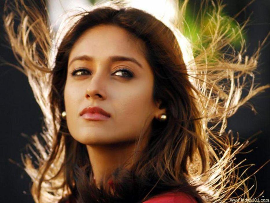 ILEANA DCRUZ indian actress model babe (7) wallpaper