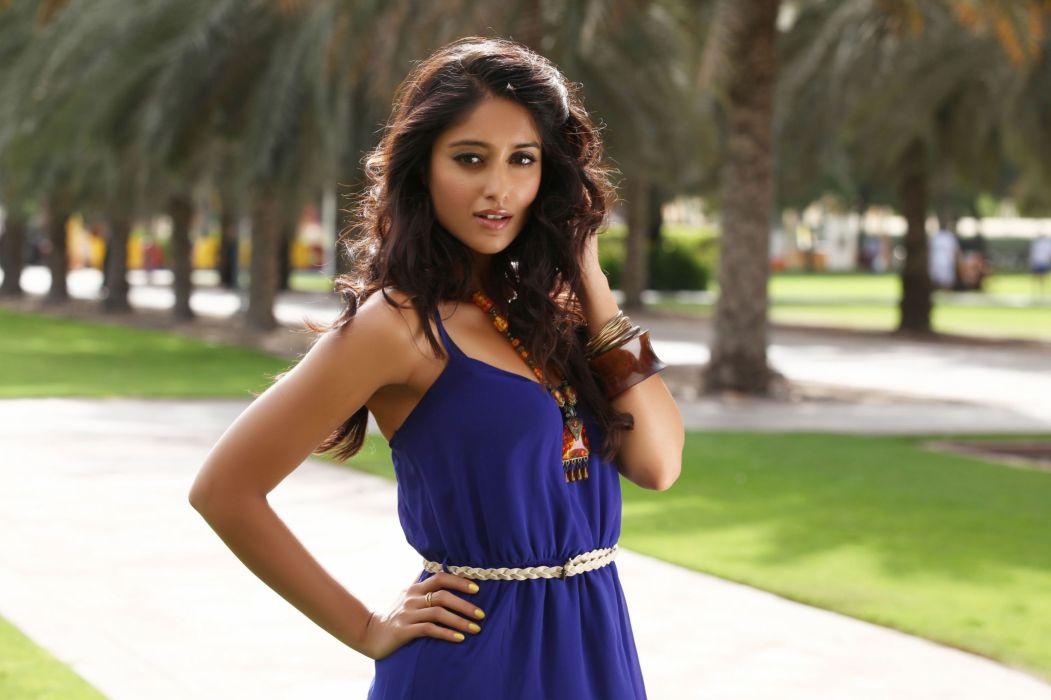 ILEANA DCRUZ indian actress model babe (28) wallpaper