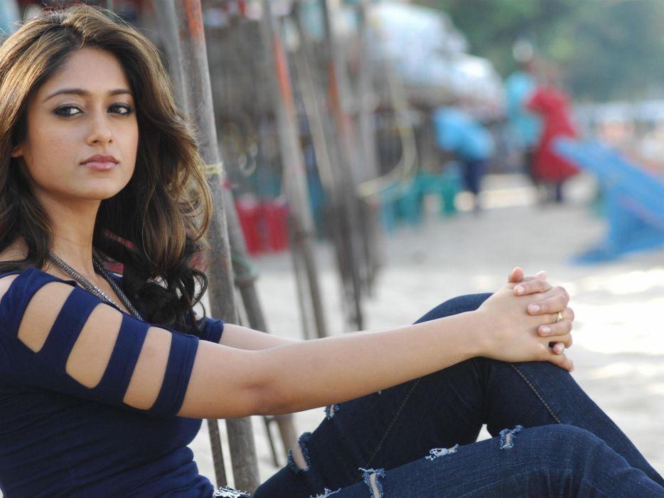ILEANA DCRUZ indian actress model babe (31) wallpaper