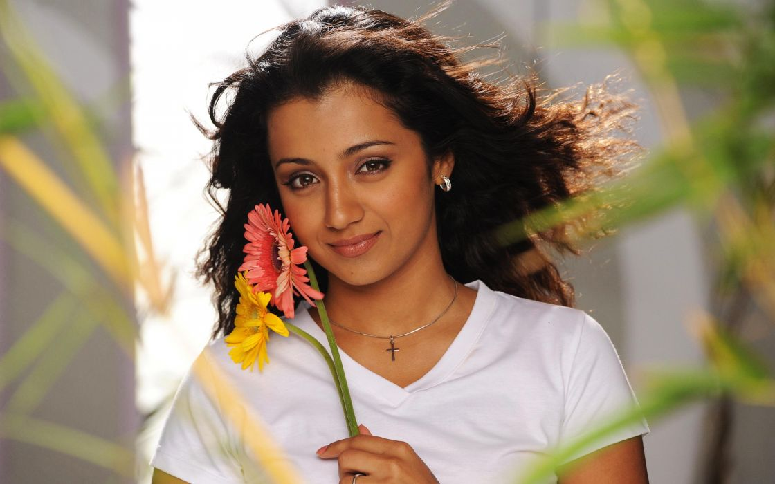 ILEANA DCRUZ indian actress model babe (36) wallpaper