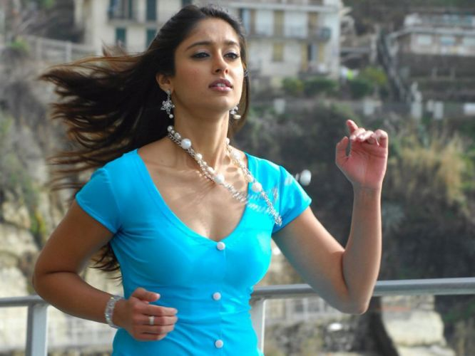 ILEANA DCRUZ indian actress model babe (52) wallpaper