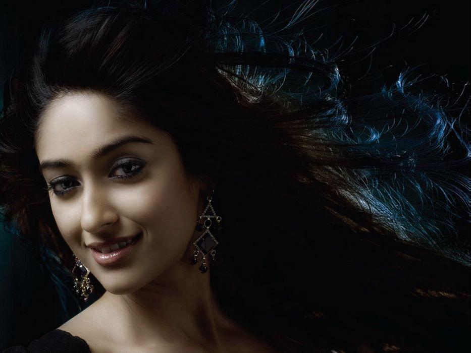 ILEANA DCRUZ indian actress model babe (51) wallpaper