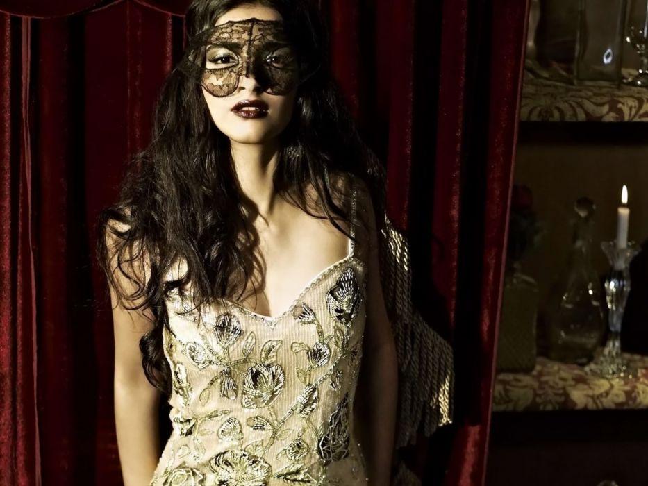 SONAM KAPOOR indian actress model (11) wallpaper