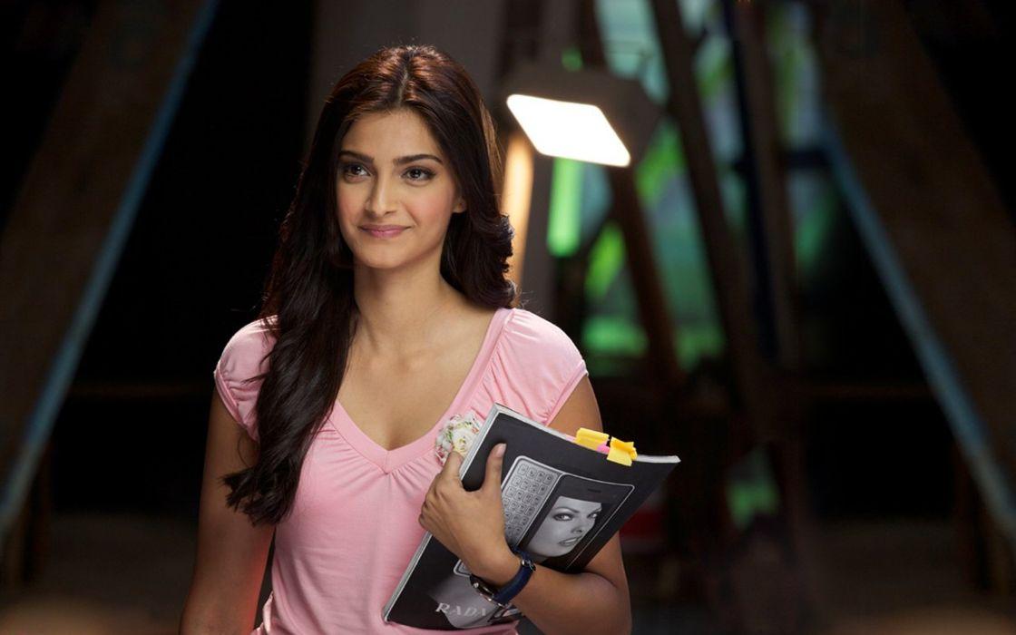 SONAM KAPOOR indian actress model (21) wallpaper