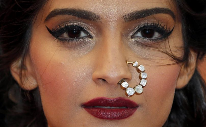 SONAM KAPOOR indian actress model (31) wallpaper
