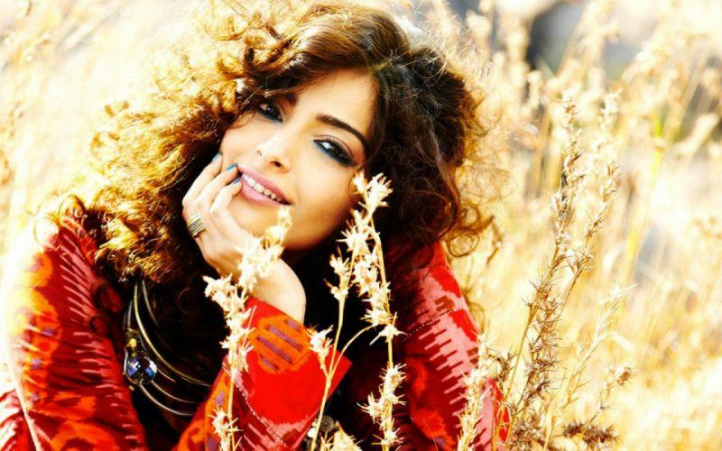 SONAM KAPOOR indian actress model (42) wallpaper