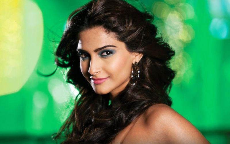 SONAM KAPOOR indian actress model (61) wallpaper