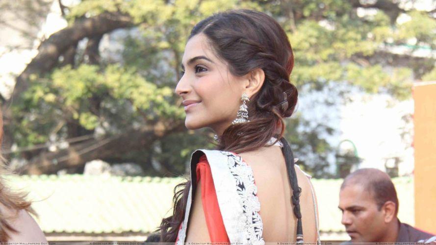 SONAM KAPOOR indian actress model (85) wallpaper