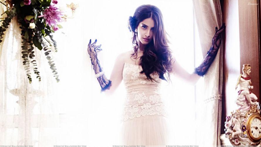 SONAM KAPOOR indian actress model (78) wallpaper