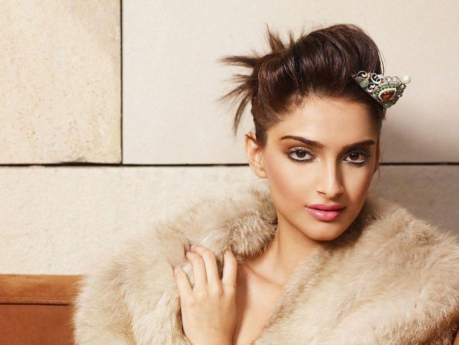SONAM KAPOOR indian actress model (75) wallpaper