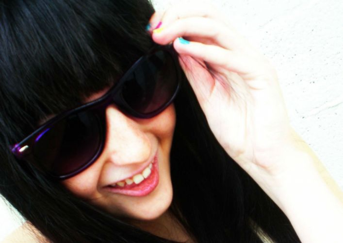 emo glasses sunglasses mood girl babe gothic wallpaper