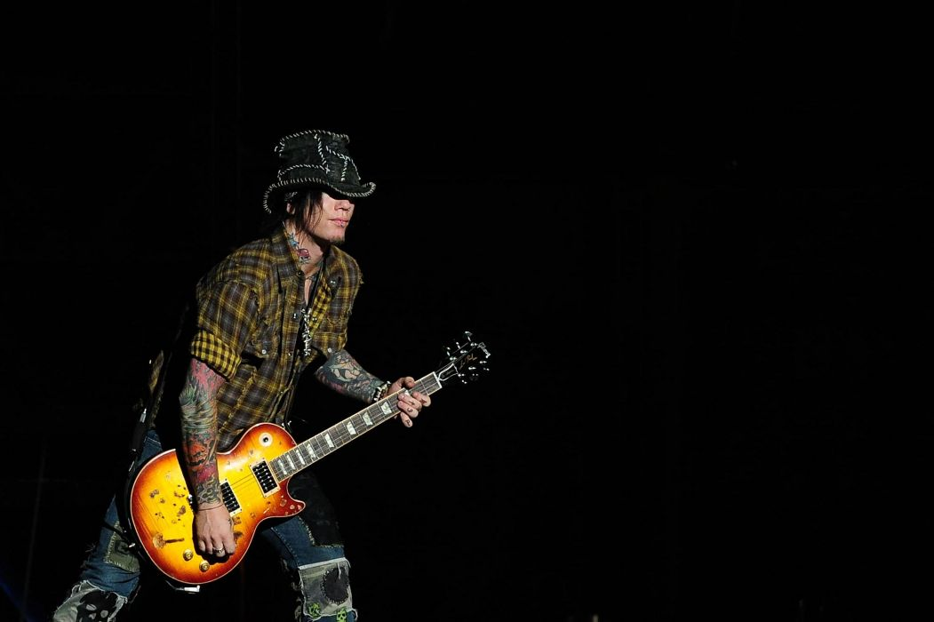 GUNS N ROSES heavy metal hair hard rock concert guiatr wallpaper
