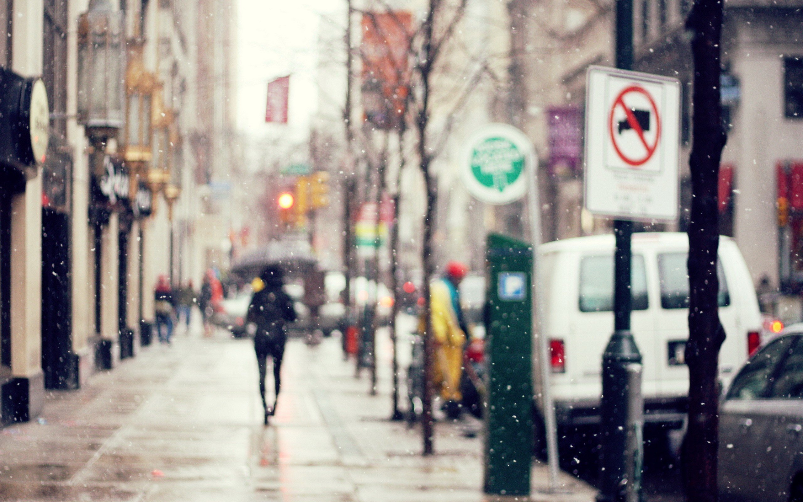 Snow Cityscapes Vehicles Blurred Street Signs Streetscape Wallpaper