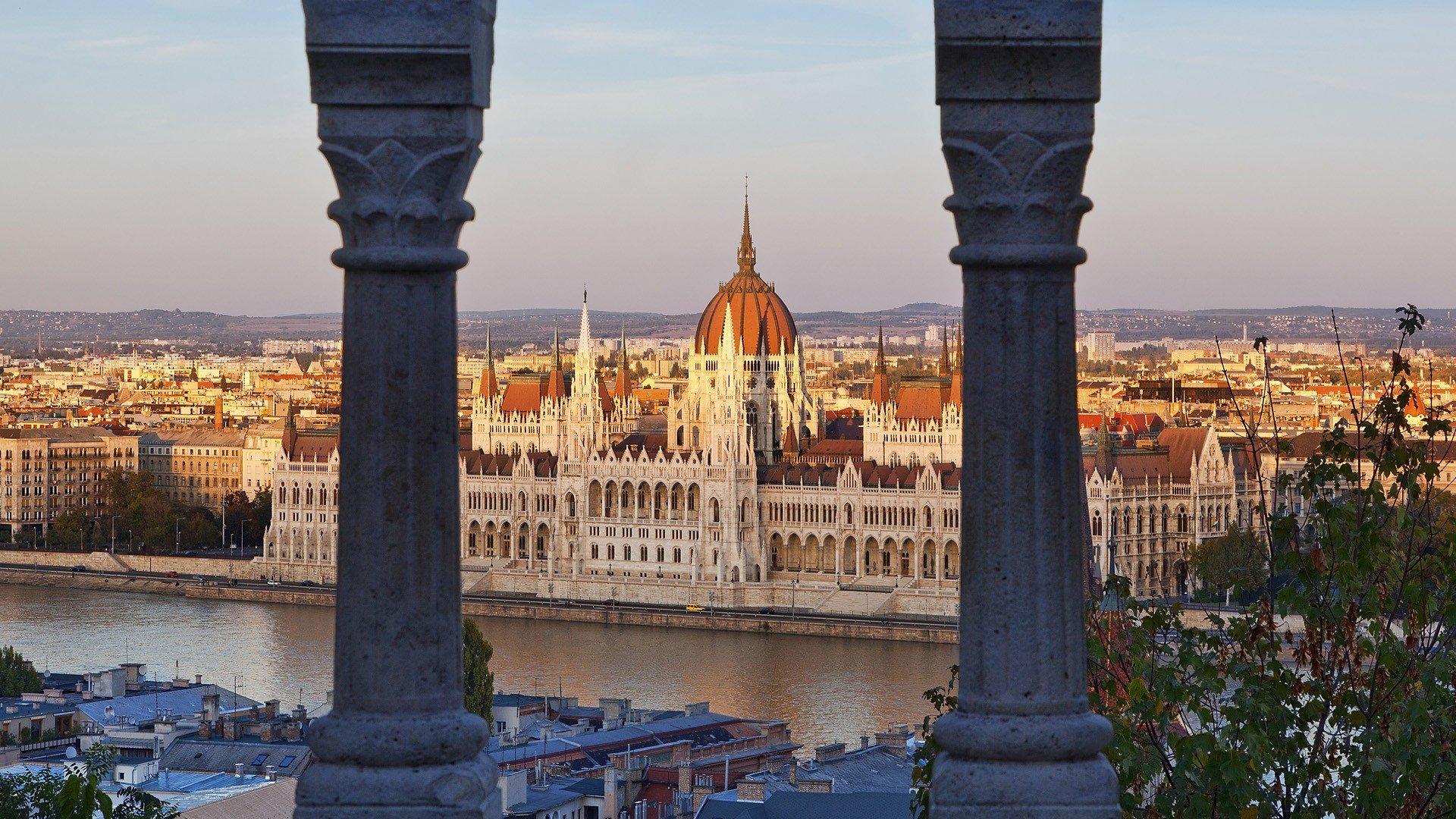 Budapest Citadel HD desktop wallpaper : Widescreen : High ...