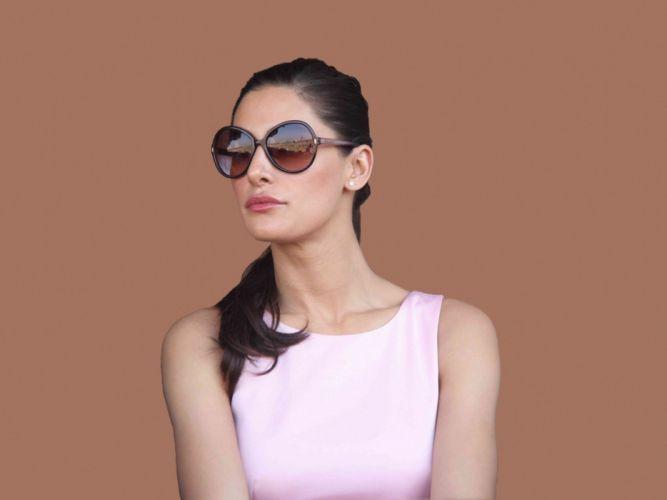 NARGIS FAKHRI actress bollywood model babe (44) wallpaper