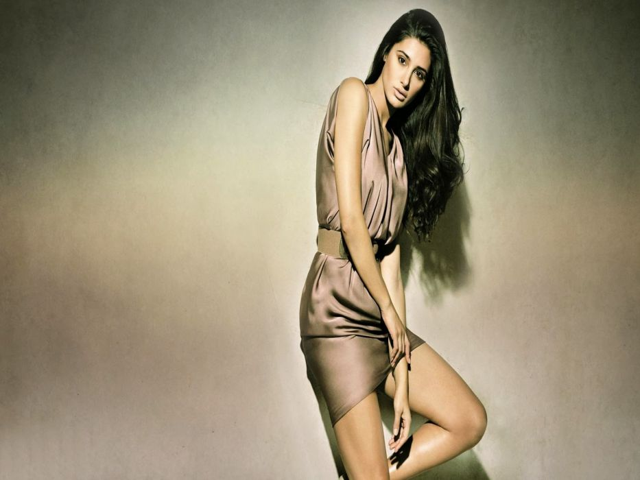 NARGIS FAKHRI actress bollywood model babe (54) wallpaper